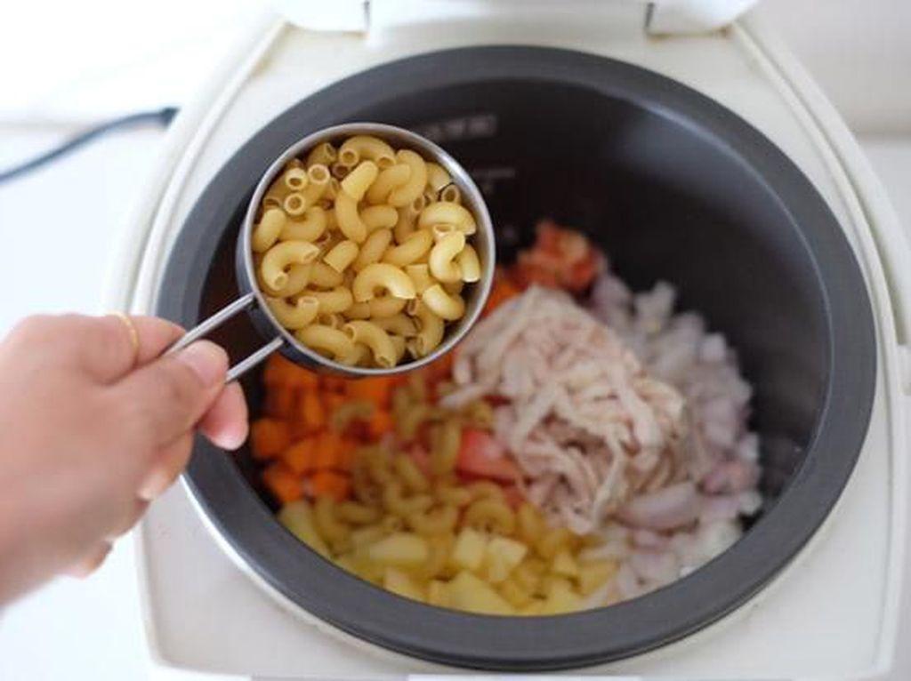 Pakai Rice Cooker, Tips Praktis dan Murah Masak ala Anak Kost
