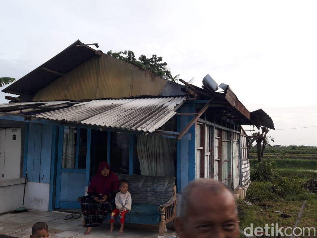 Puluhan Rumah Dua Desa di Lamongan Rusak Diterjang Puting Beliung