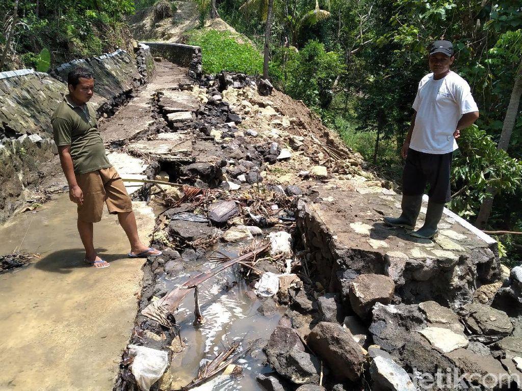 Diguyur Hujan Lebat, Saluran Irigasi di Kulon Progo Jebol