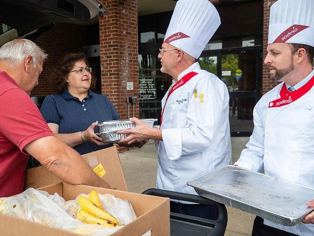 Acara Batal karena Covid-19, Perusahaan Ini Bagikan Pesanan Makanannya
