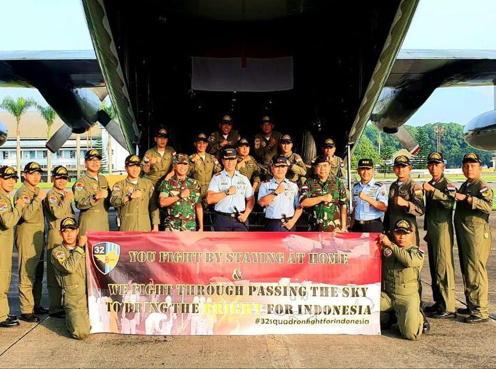 TNI Kerahkan Hercules Angkut Alat Kesehatan Corona dari Shanghai