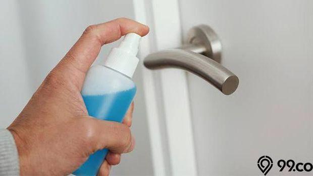 Cara membuat cairan desinfektan sendiri.