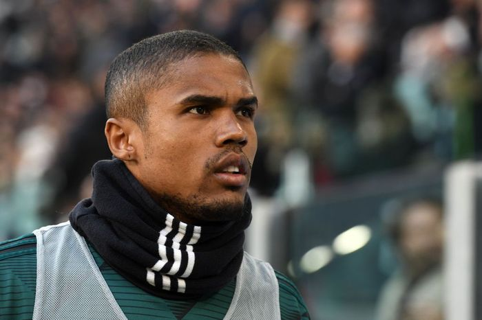 TURIN, ITALY - JANUARY 06: Douglas Costa of Juventus during the Serie A match between Juventus and Cagliari Calcio at Allianz Stadium on January 6, 2020 in Turin, Italy. (Photo by Chris Ricco/Getty Images)