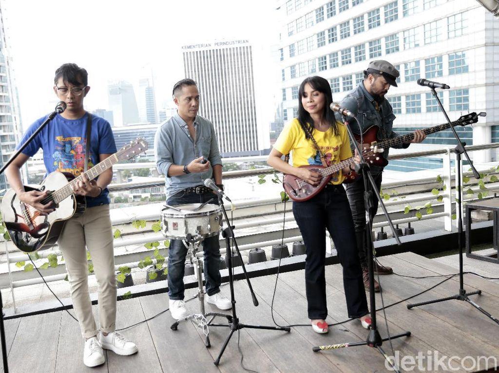 Mocca Ajak Rekti Yoewono Berbagi Optimisme di Lagu Baru