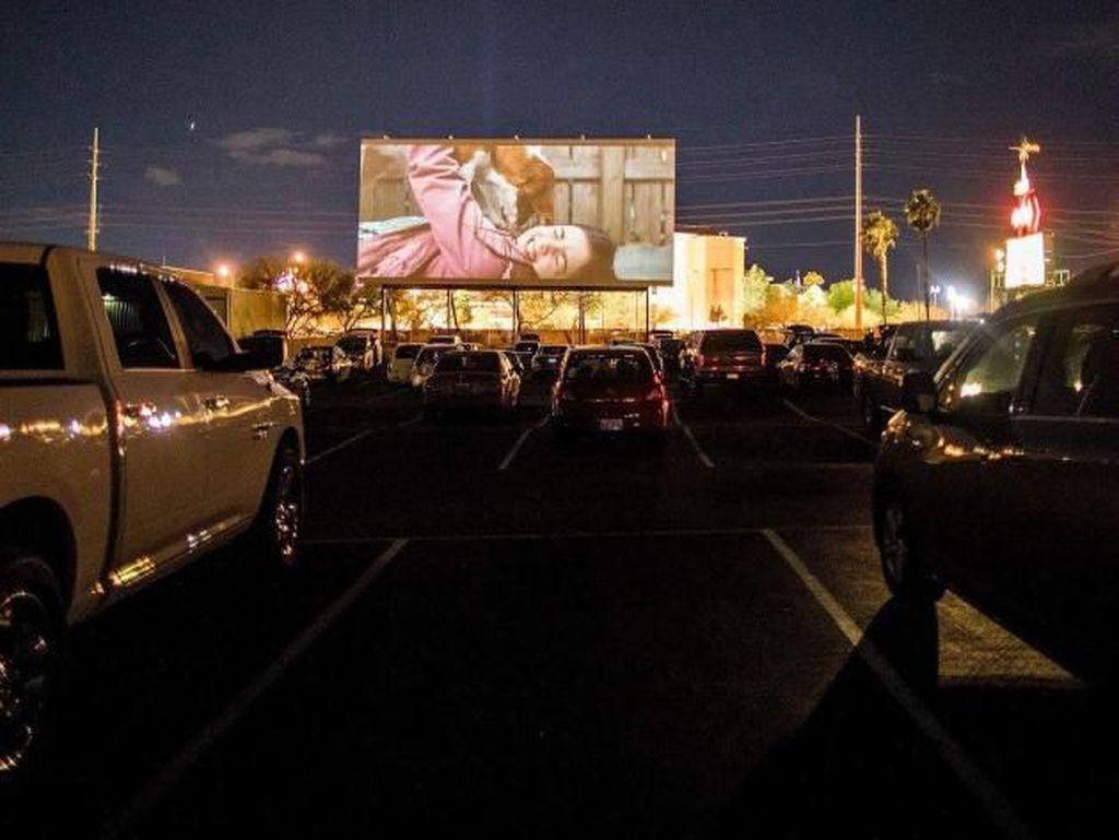 Yang Laris Manis di Tengah Pandemi Corona: Bioskop Drive-In