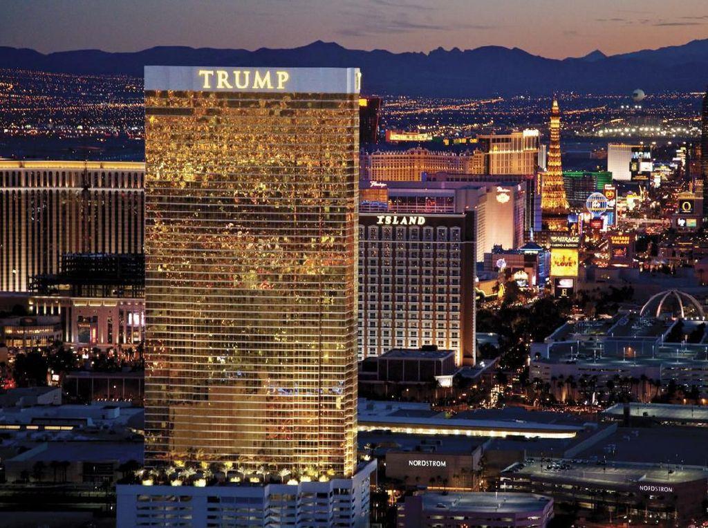 Dampak Corona, Donald Trump Rumahkan Karyawan Hotelnya