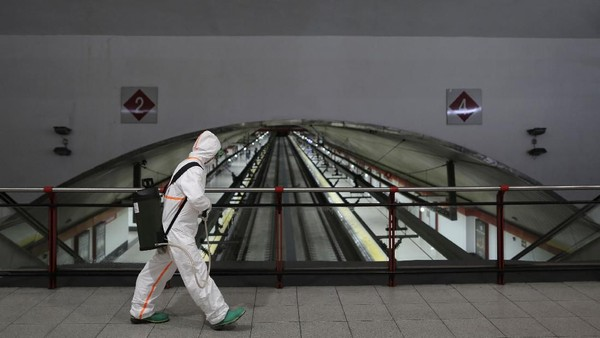 Jumlah kematian akibat virus corona di Spanyol telah bertambah menjadi 2.182 orang. Hari ini dalam 24 jam korban meninggal mencapai 462 orang.