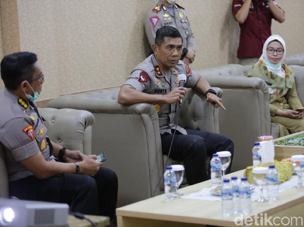Polisi Dalami Kaitan 7 Pelempar Molotov dengan 3 TKP Markas PDIP
