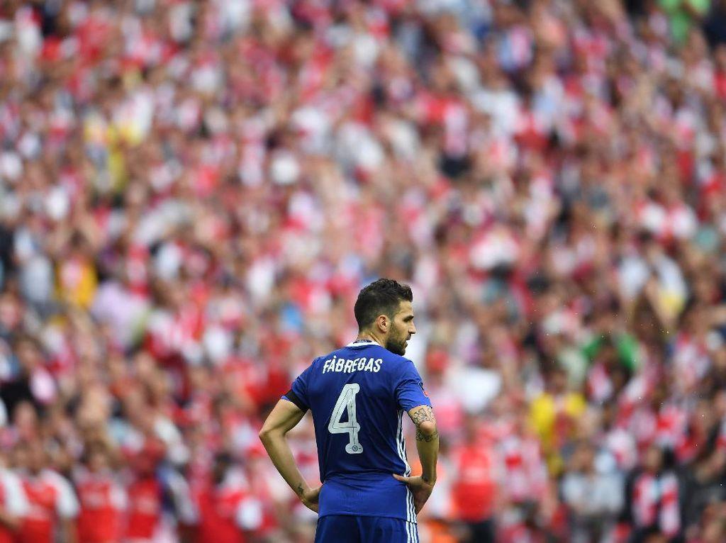 Disebut Suporter Arsenal Ular, Fabregas Membalas