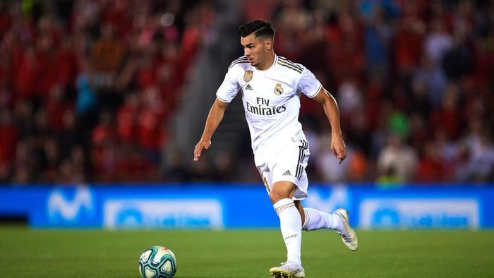 MALLORCA, SPAIN - OCTOBER 19: Brahim Diaz of Real Madrid CF runs with the ball during the La Liga match between RCD Mallorca and Real Madrid CF at Iberostar Estadi on October 19, 2019 in Mallorca, Spain. (Photo by Alex Caparros/Getty Images)