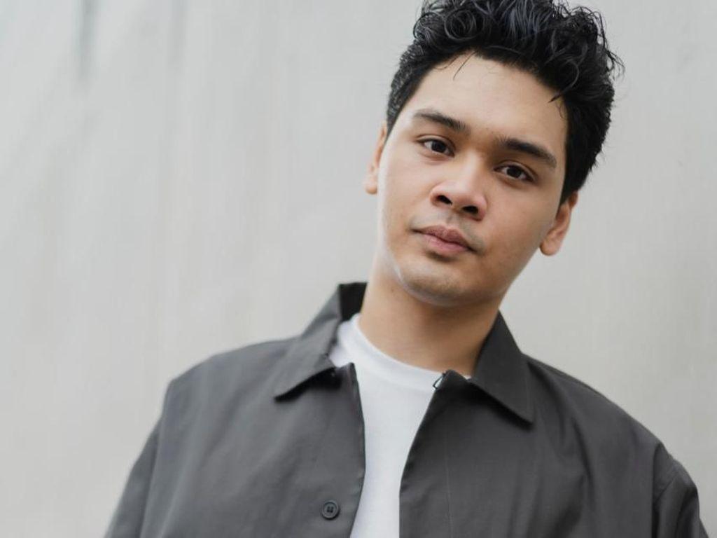 Mikha Angelo Rayakan Valentine dengan Dua Single Baru