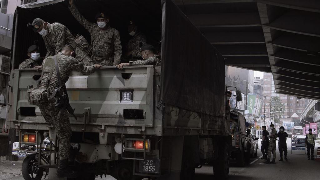 Potret Malaysia Dijaga Militer saat Lockdown Gegara Corona