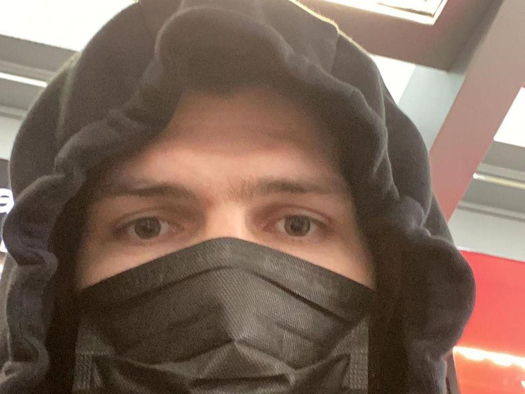 Pakai Masker, Khabib: Semoga Tuhan Melindungi Kalian