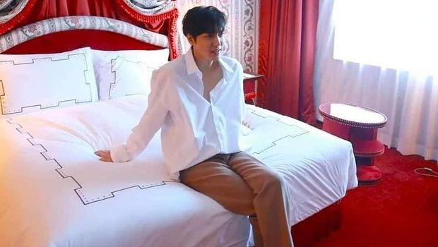 Foto Lee Min Ho di atas ranjang bikin netizen heboh