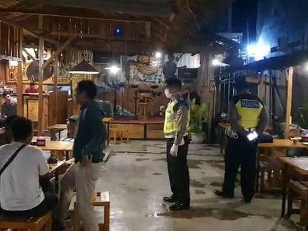 Cegah Corona, Polres Karanganyar Razia Tempat Keramaian