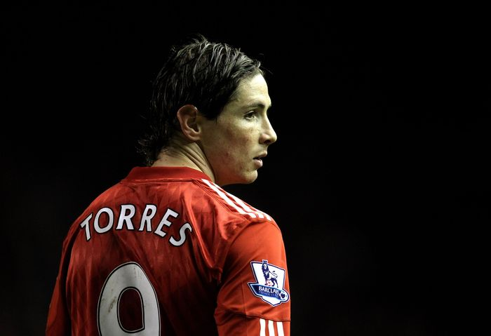 LIVERPOOL, ENGLAND - JANUARY 26:  Fernando Torres of Liverpool looks on during the Barclays Premier League match between Liverpool and Fulham at Anfield on January 26, 2011 in Liverpool, England. (Photo by Alex Livesey/Getty Images)