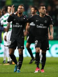 Neymar, cuma tepuk tangan dikasih uang banyak
