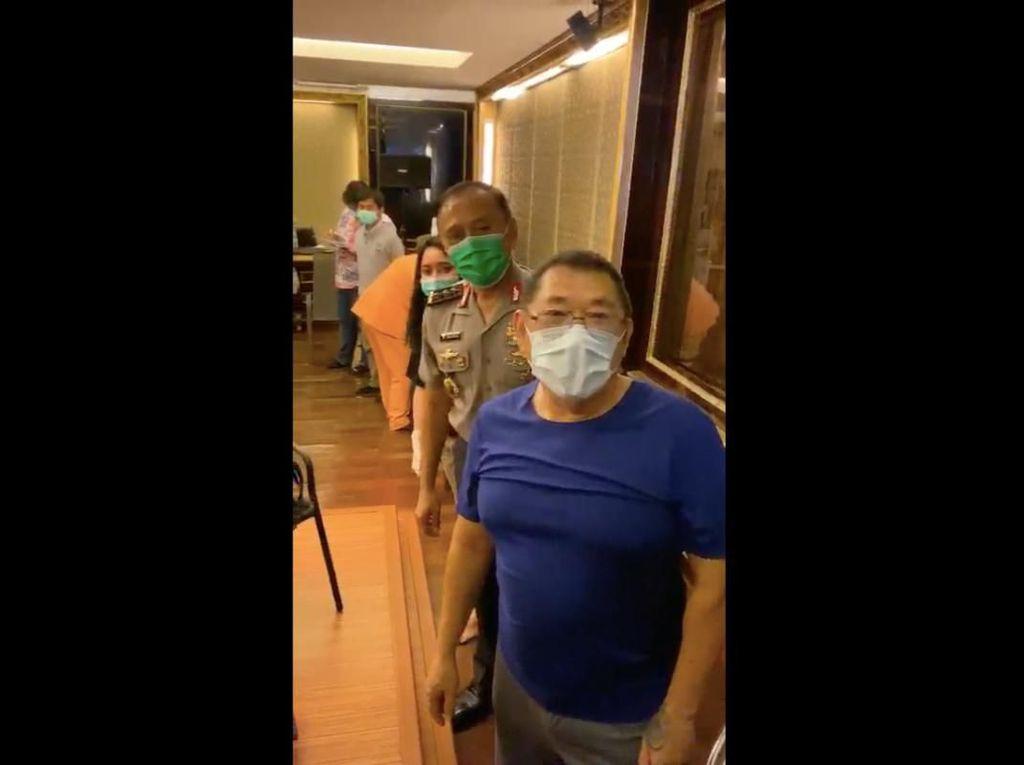 Video Tes Corona Eksklusif di Rumah Mewah Dihadiri Ketum PSSI