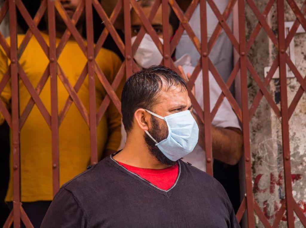 Pria India Nekat Potong Lidah karena Dianggap Bisa Cegah Corona