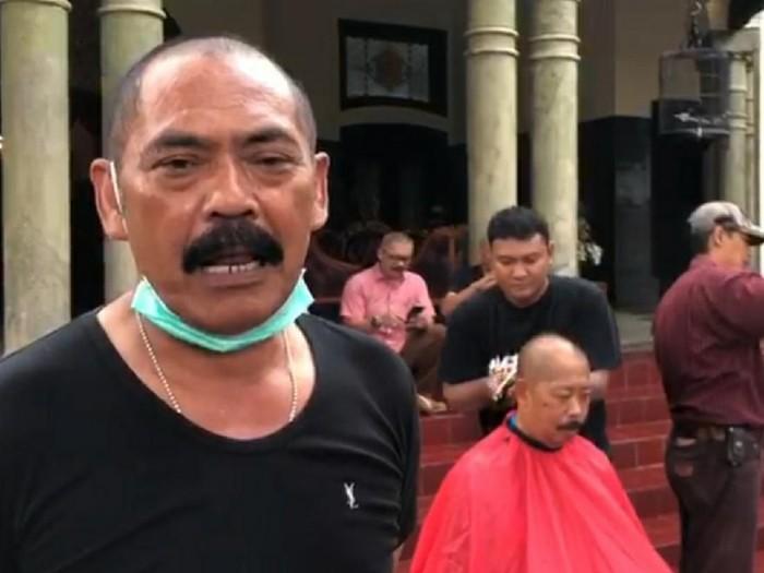 Walkot Solo Hadi Rudyatmo cukur gundul untuk tolak bala Corona
