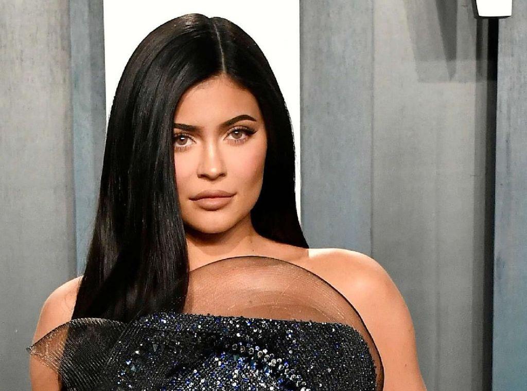 Kylie Jenner dan Travis Dikabarkan Balikan, Ini Jawabannya