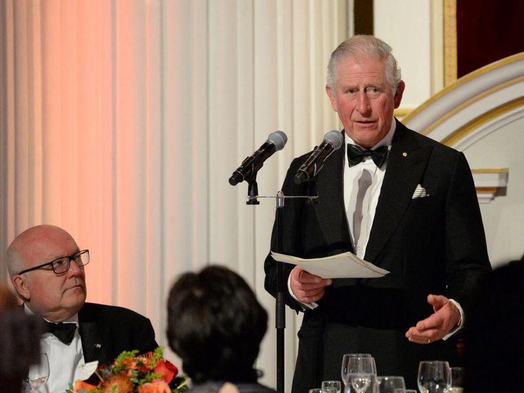 Positif Corona, Pangeran Charles Dicurigai Tertular Kanika Kapoor