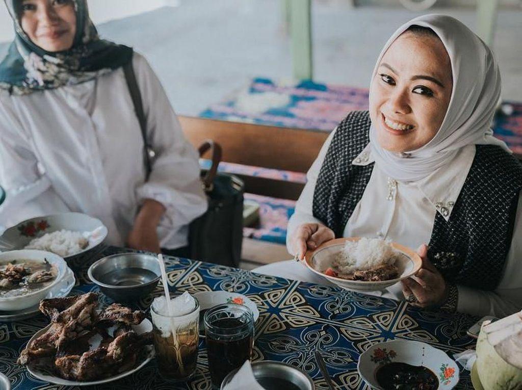 Positif Corona Bupati Karawang Termasuk Foodies yang Hobi Kulineran