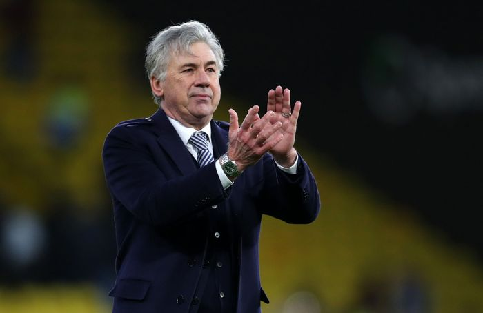 WATFORD, ENGLAND - FEBRUARY 01: Carlo Ancelotti manager of Everton applauds after the Premier League match between Watford FC and Everton FC at Vicarage Road on February 01, 2020 in Watford, United Kingdom. (Photo by Catherine Ivill/Getty Images)