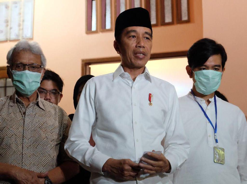 Sabarnya Sudjiatmi Saat Jokowi Diserang Tuduhan Menyakitkan