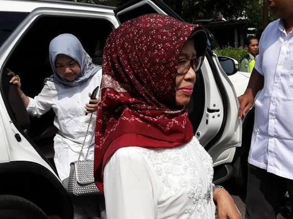 Kenang Sosok Ibunda Jokowi, Ganjar: Grapyak dan Semanak