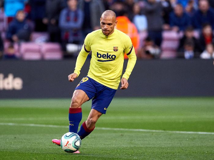 BARCELONA, SPAIN - MARCH 07: Martin Braithwaite of FC Barcelona warms up prior to the Liga match between FC Barcelona and Real Sociedad at Camp Nou on March 07, 2020 in Barcelona, Spain. (Photo by Alex Caparros/Getty Images)