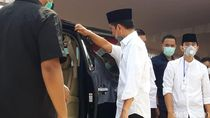 Usai Makamkan Ibunda, Jokowi Langsung Meninggalkan Pemakaman Mundu