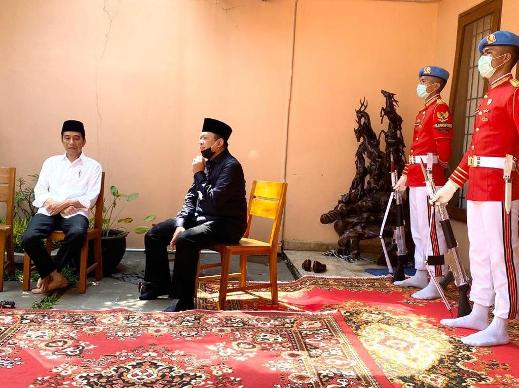Layat Ibu Jokowi, Ketua MPR: Almarhumah Bersahaja