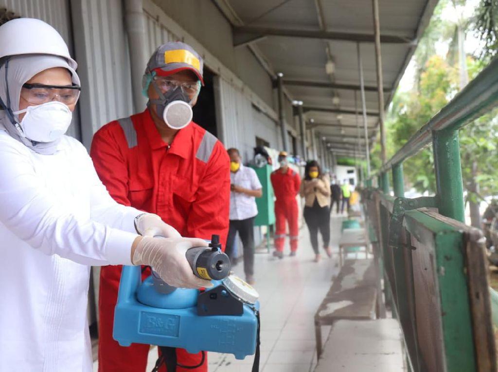Menaker Dorong Perusahaan Semprot Disinfektan di Tempat Kerja