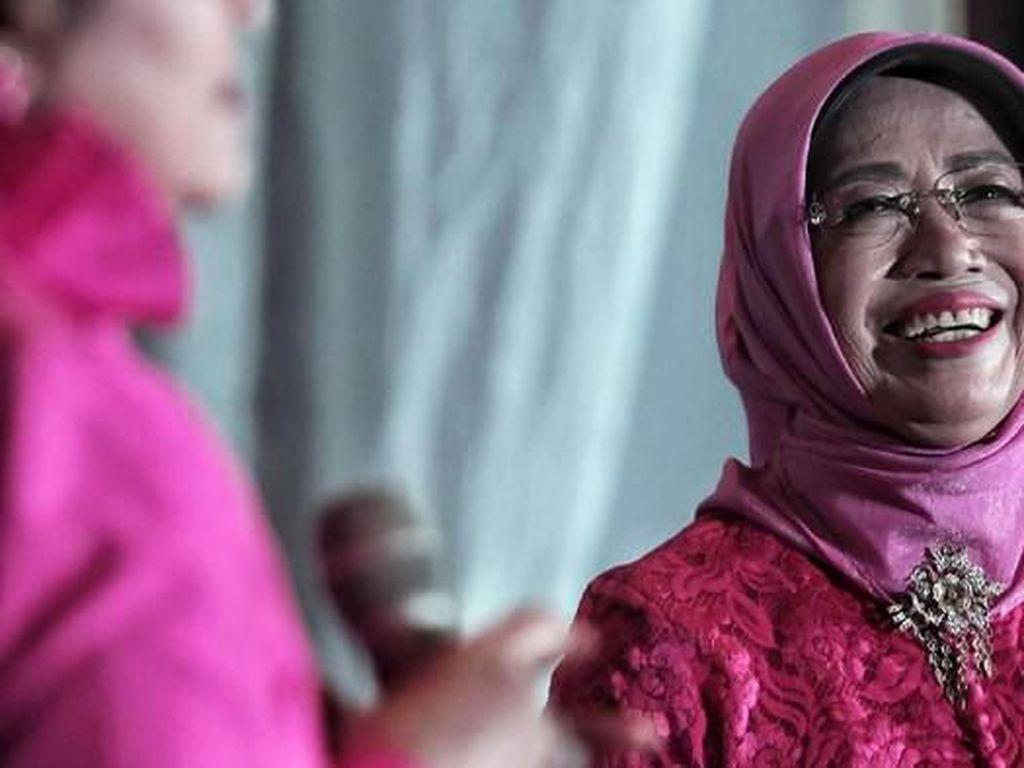 Mengenang Ibunda Jokowi, Sudjiatmi Notomiharjo Lewat Momen Kulinernya