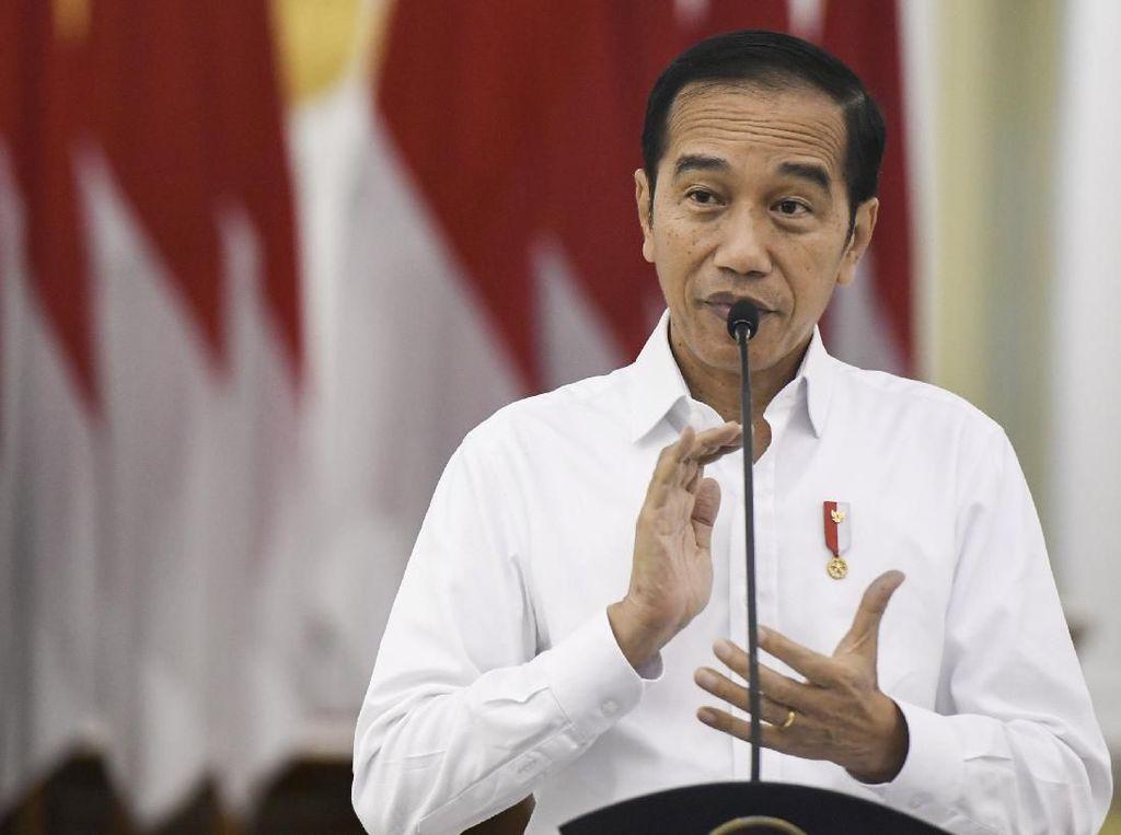 Jokowi Kembali Bagi-bagi Sembako, Kali Ini di Bogor Semalam