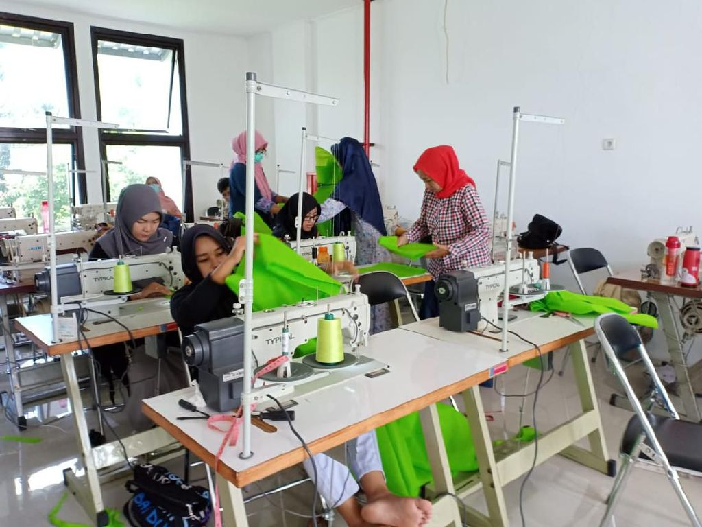 Pemkot Semarang Produksi APD Sendiri dan Bakal Dibagikan Gratis