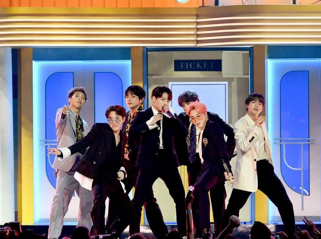 BTS Raih Penghargaan Favorite Music Group di Kids Choice Awards