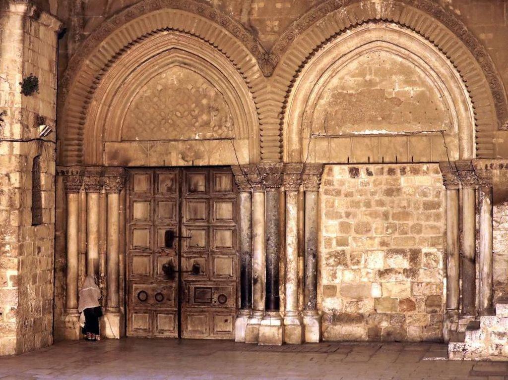 Gereja Makam Kudus Yerusalem Ditutup Sepekan Antisipasi Corona
