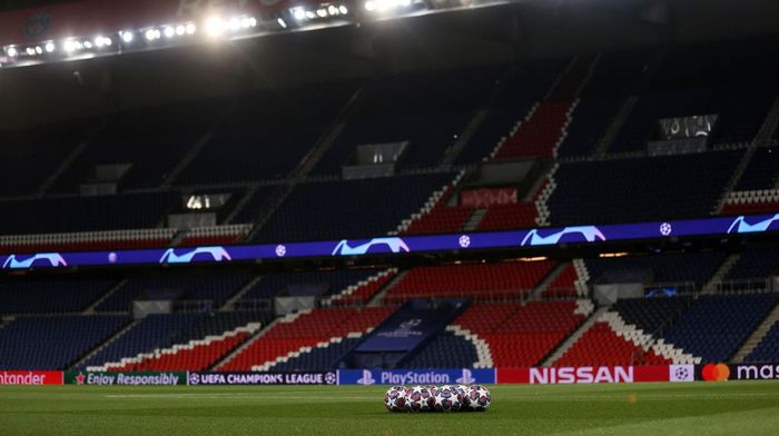 PARIS, FRANCE - MARCH 11: (FREE FOR EDITORIAL USE) In this handout image provided by UEFA, The match balls are seen prior to the UEFA Champions League round of 16 second leg match between Paris Saint-Germain and Borussia Dortmund at Parc des Princes on March 11, 2020 in Paris, France. The match is played behind closed doors as a precaution against the spread of COVID-19 (Coronavirus).  (Photo by UEFA - Handout/UEFA via Getty Images)