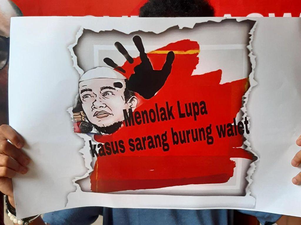 Aksi Tuntut Novel Terus Menggema
