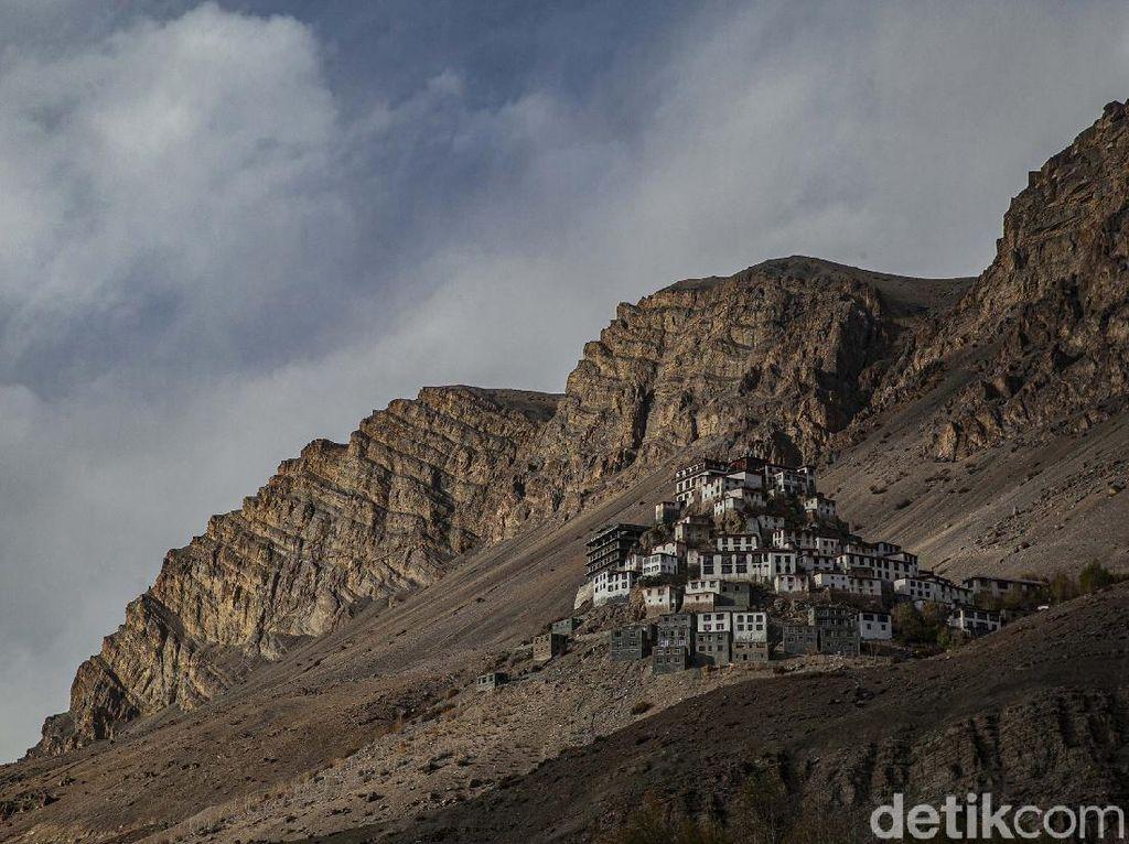 Jelajah Keindahan Pegunungan Himalaya dan Keberagaman di Spiti Valley