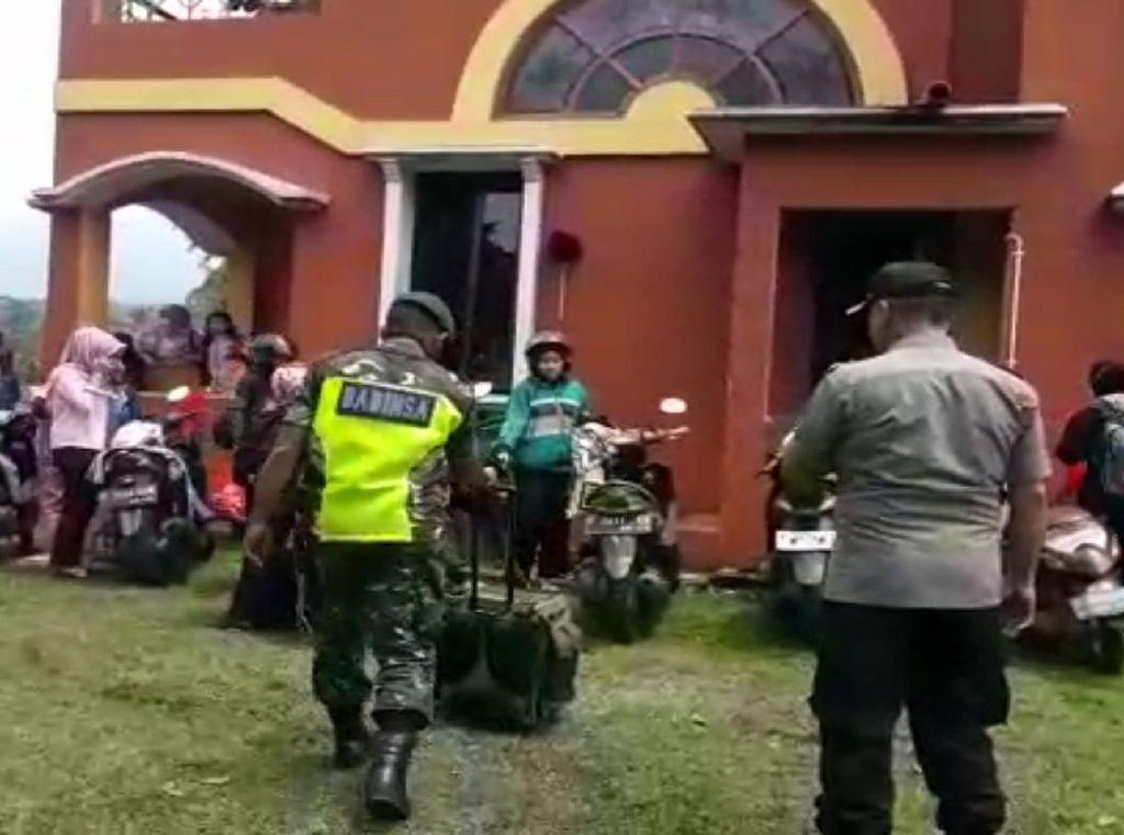 Video Polisi Bubarkan Kegiatan Pormosi Obat di Masa Corona