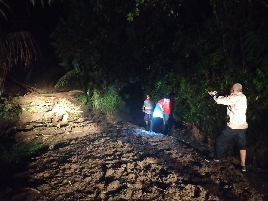 Tebing Longsor, Akses Jalan Penghubung Cianjur-Bandung Terputus