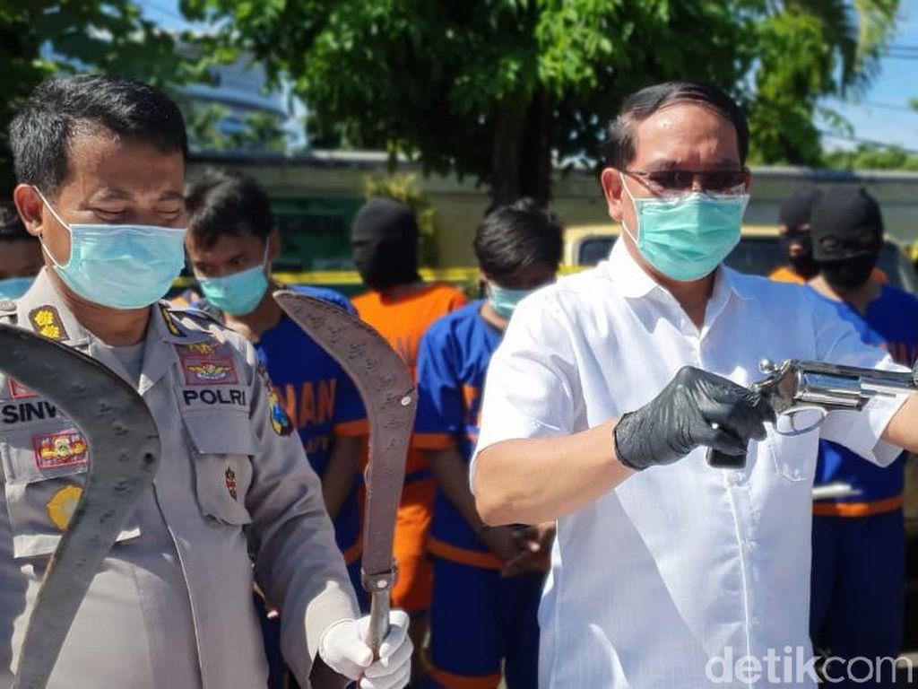 Komplotan Pencuri Truk Bersenjata Tajam Diringkus