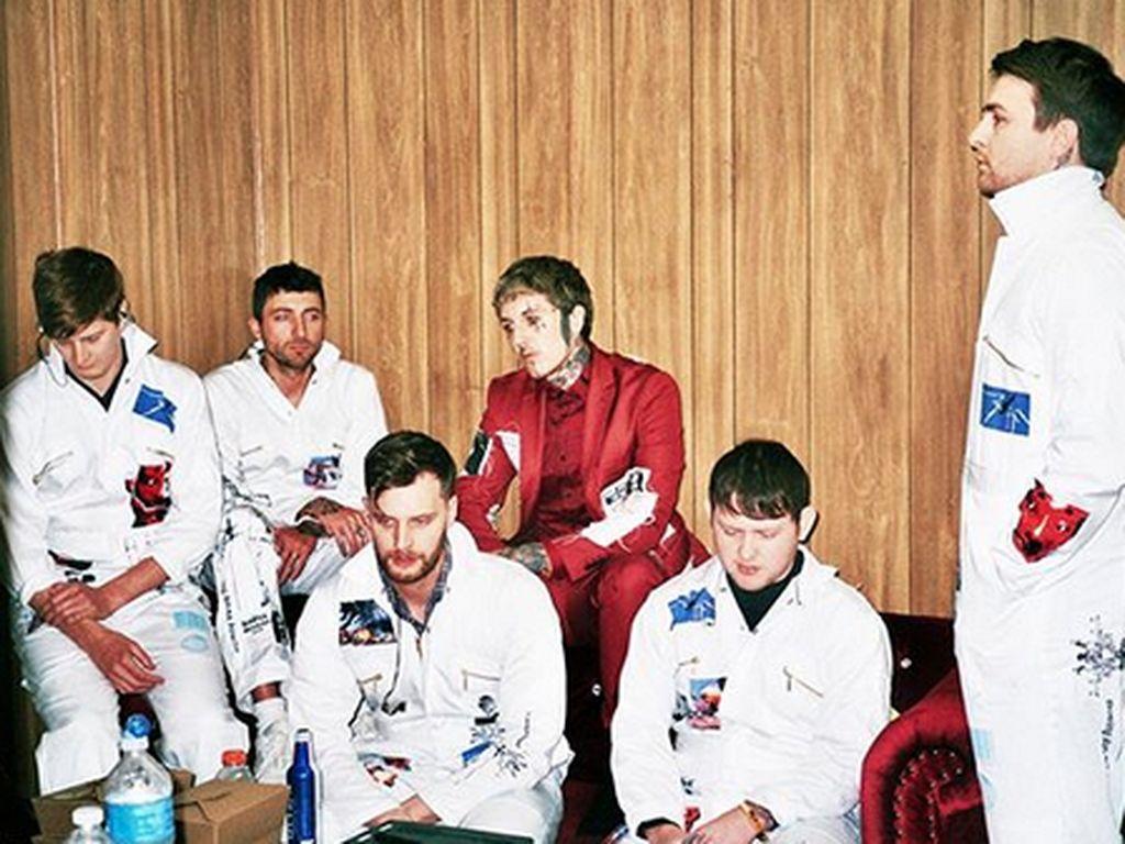 #Dirumahaja Sambil Nikmati Proses Bring Me The Horizon Bikin Album Baru
