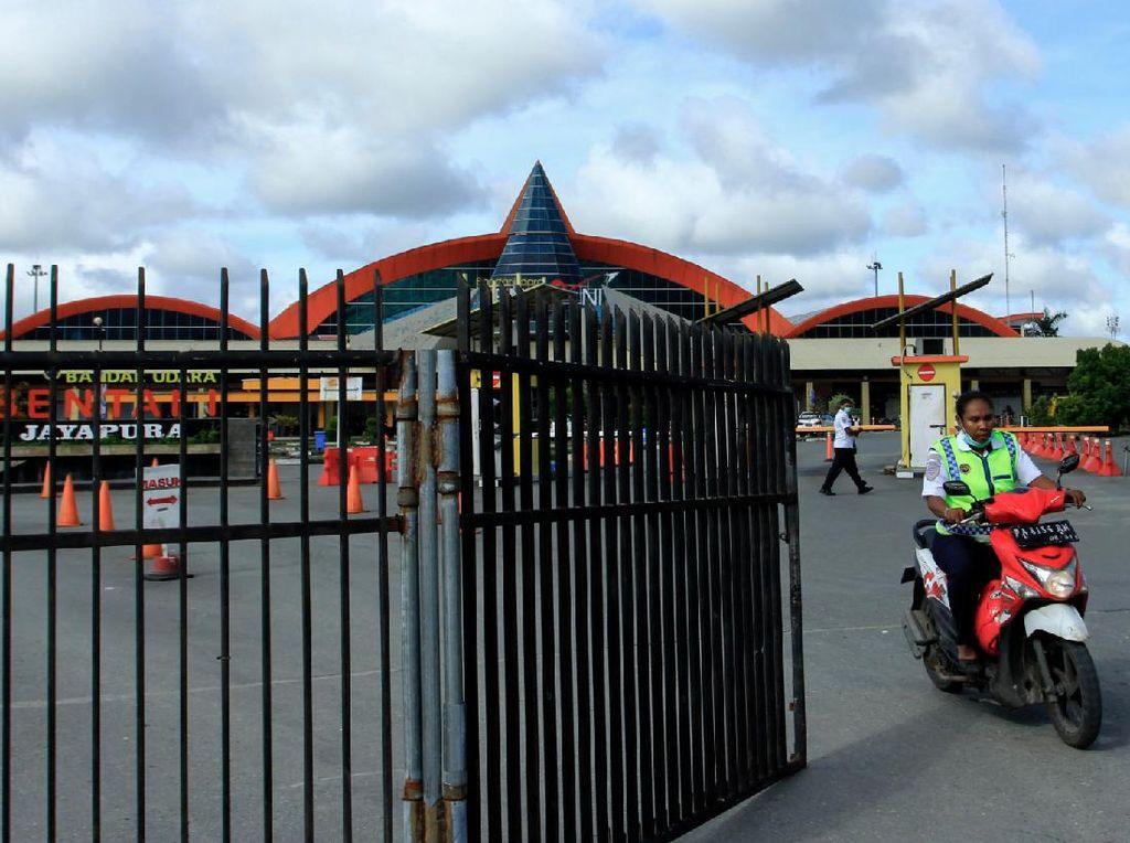 Enggak Mau Kalah, Emak-emak di Papua Juga Geber Motor Matic