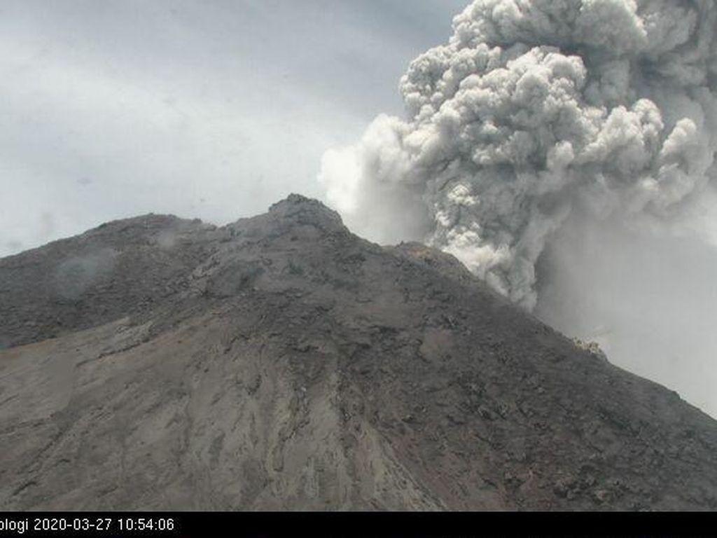 Gunung Merapi Erupsi, Hujan Abu Guyur Wilayah Lereng di Boyolali