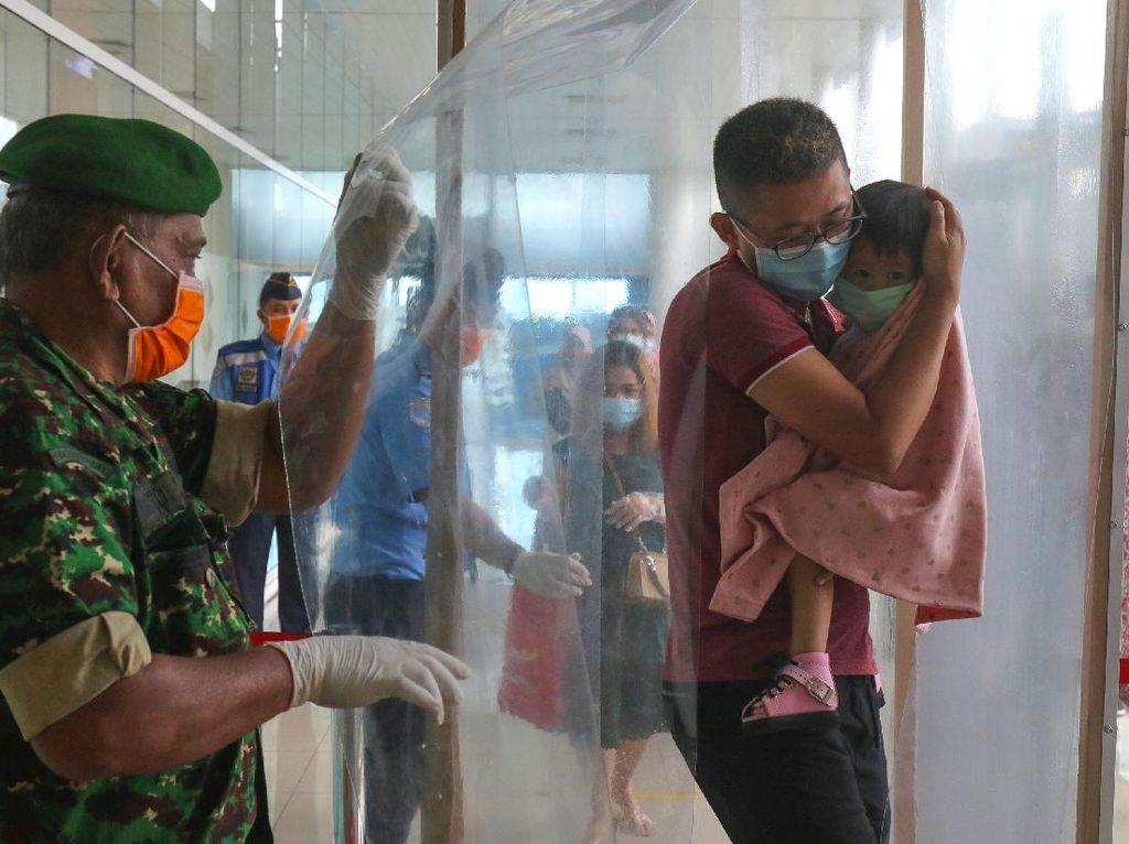Tim Pakar COVID-19 Tegaskan Bilik Disinfeksi Tak Direkomendasikan