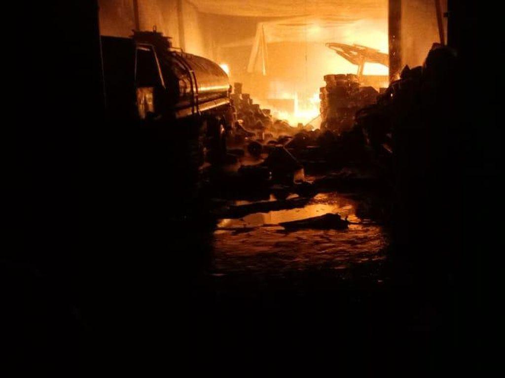 Api Lalap Pabrik Tekstil di Kawasan Rancaekek Bandung